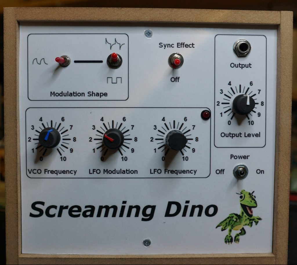 Screaming Dino: Meine Version der MFOS Alien Screamer Noise Box